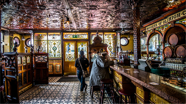 8 Beautiful UK Pubs To Drink In Before You Die!